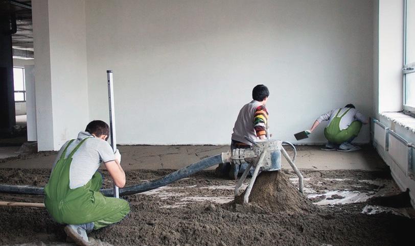 монтаж цементно-песочной стяжки